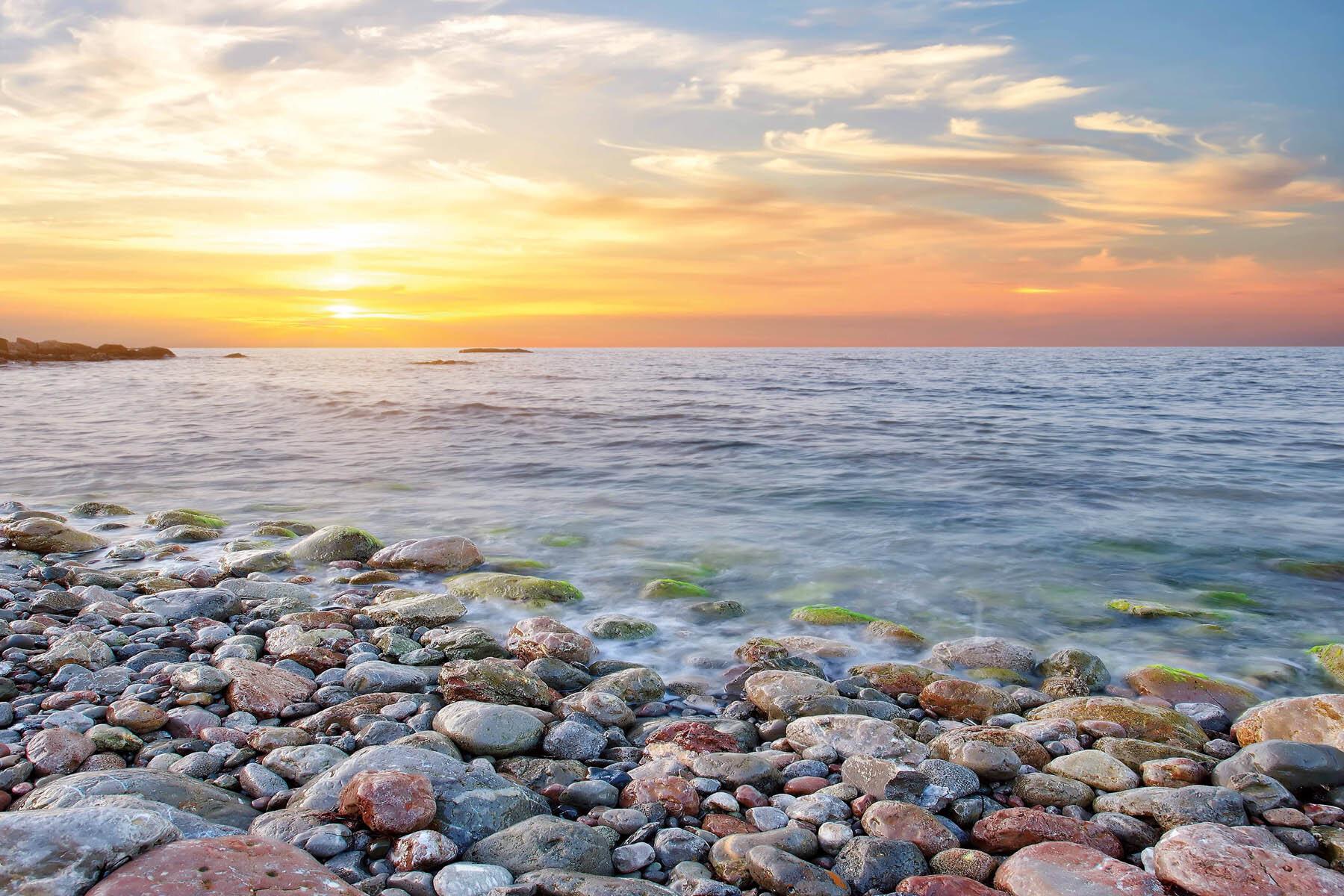 PlateART Duschrückwand mit Motiv Strand und Meer Ostsee Kies Strand